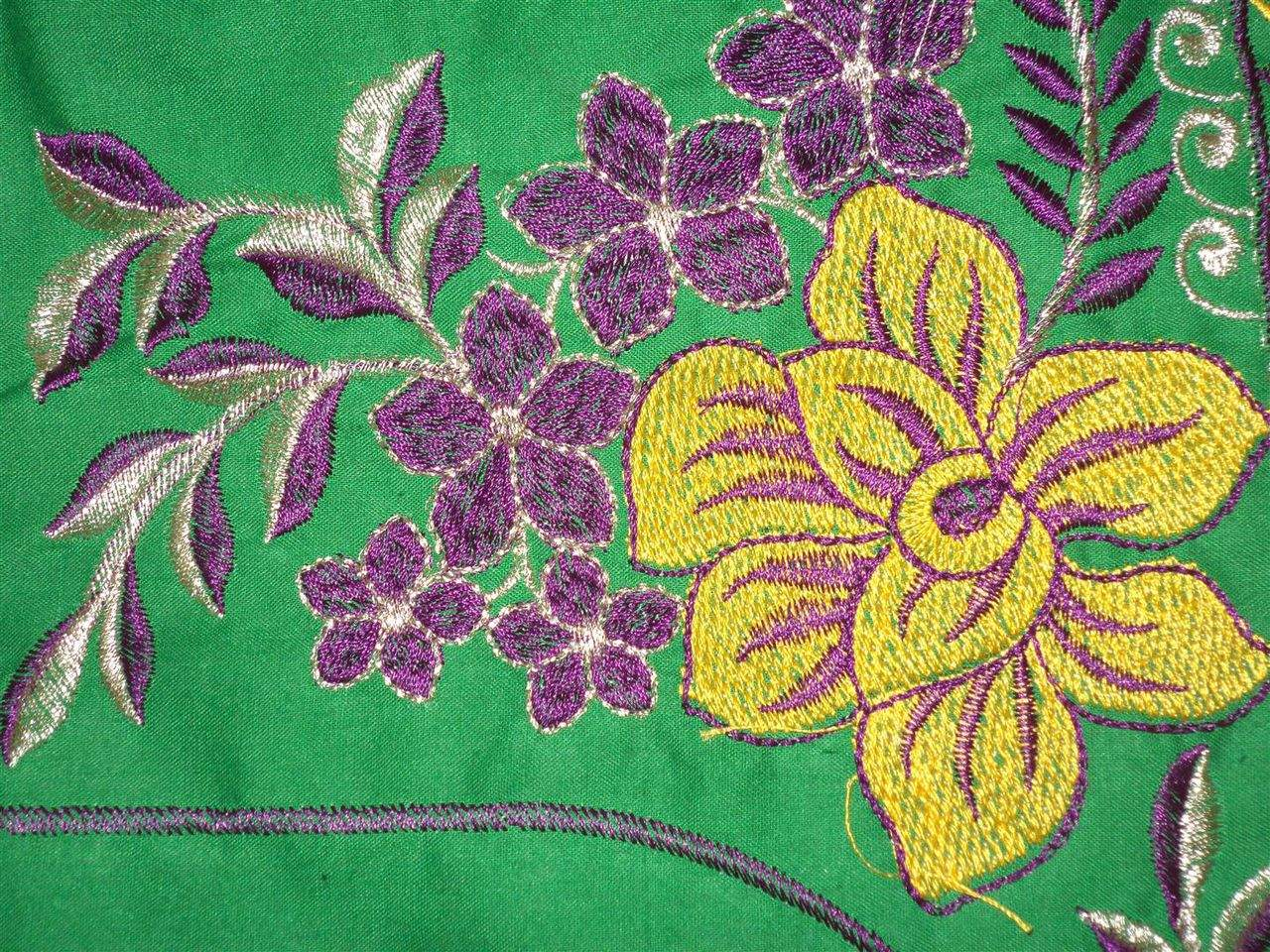 http://img.techshristi.com/images/embroideryshristi/dsc00885large.jpg height=135