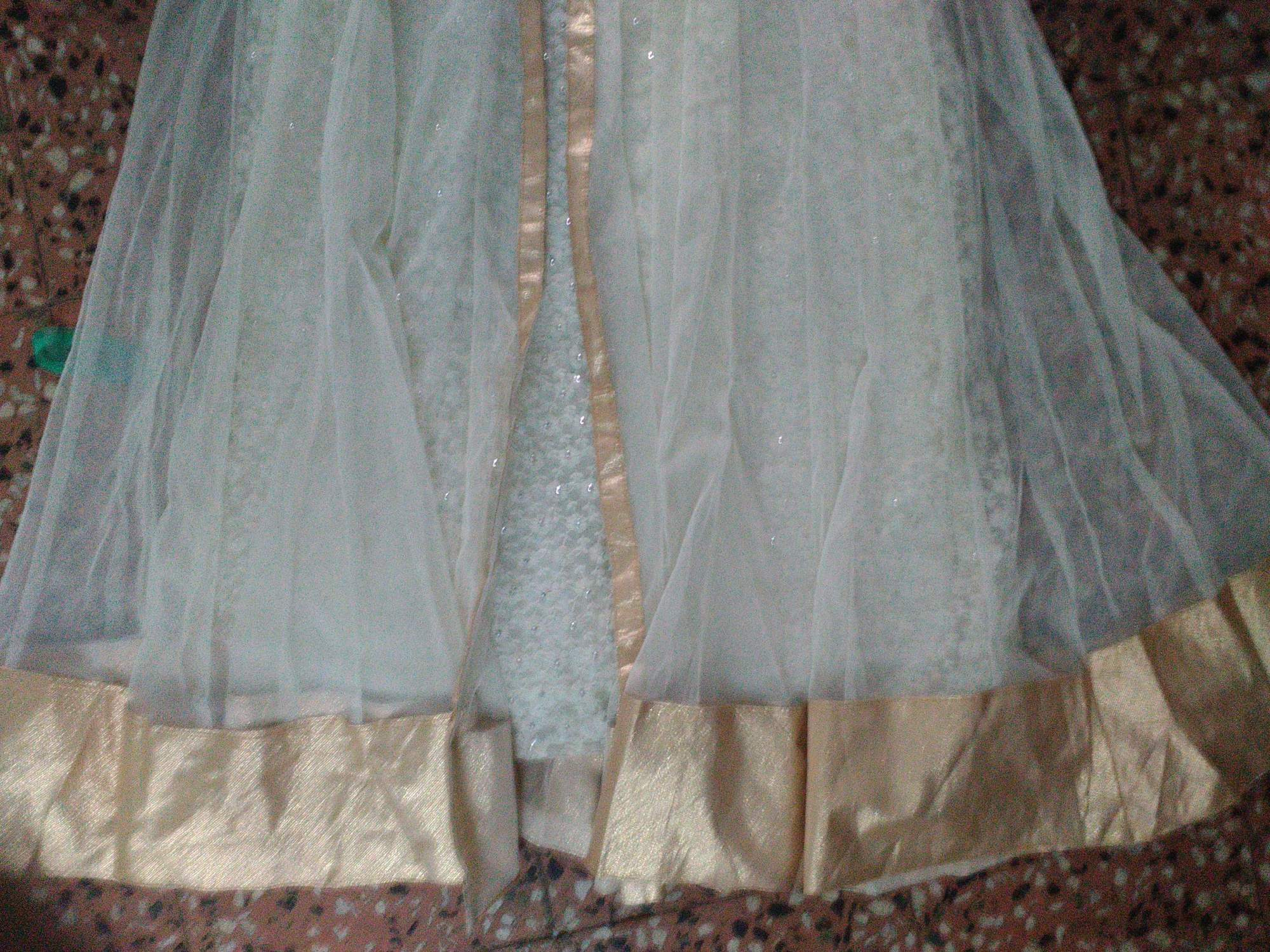http://img.techshristi.com/images/embroideryshristi/embroiderydress2.jpg